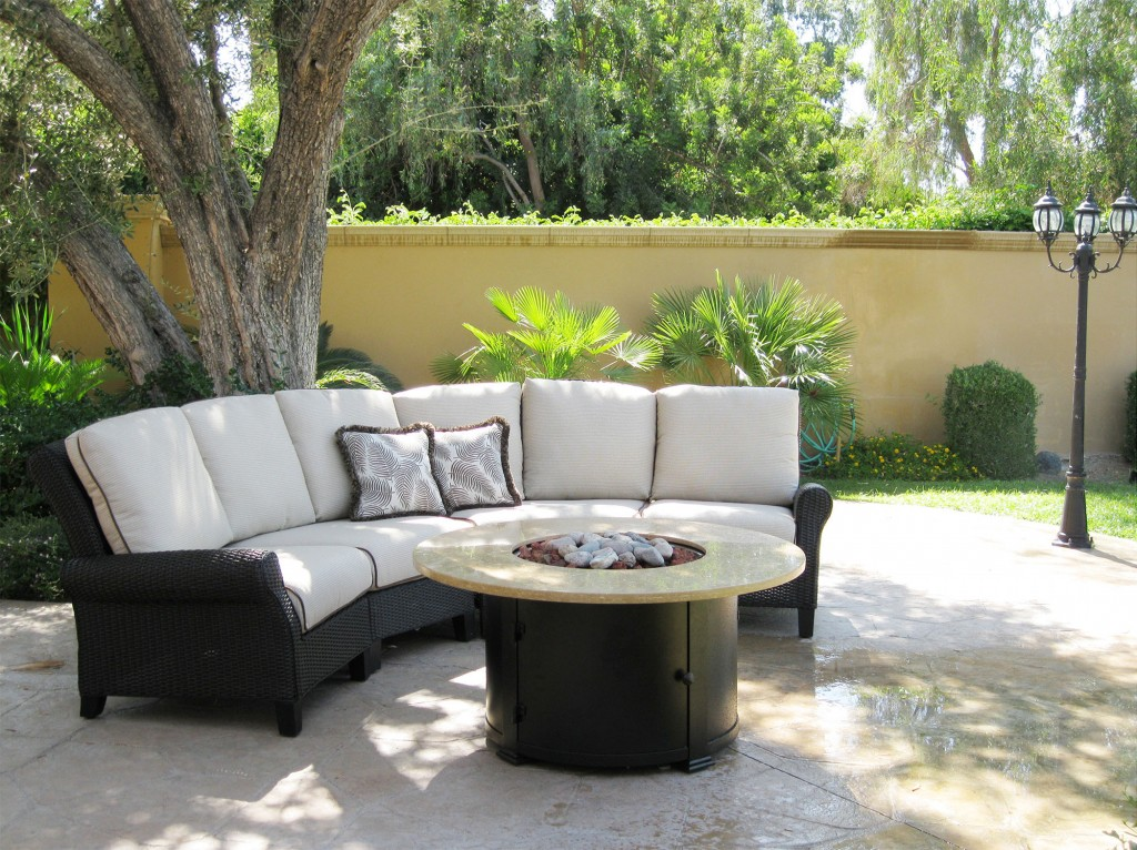 Outdoor Sectional & firepit